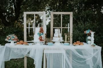 Free-Spirited & Panoramic Boho Wedding Inspiration | Sara Cuadrado and El Ramo Volador 21
