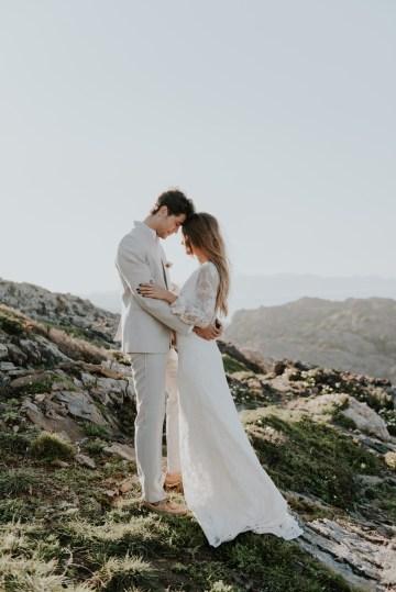 Free-Spirited & Panoramic Boho Wedding Inspiration | Sara Cuadrado and El Ramo Volador 59