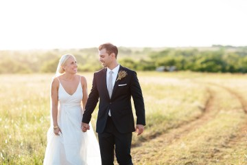 Fun, Scenic, Lakeside Wedding with Dried Floral Bouquets | Studio 1208 25