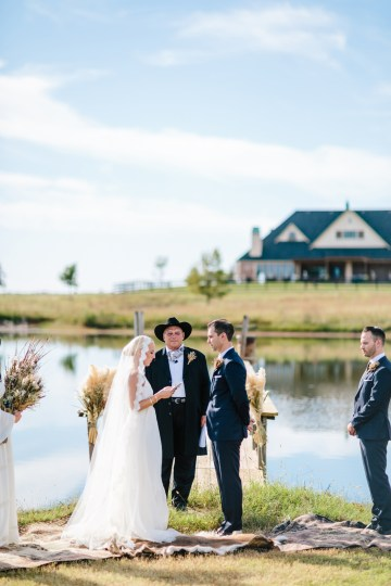 Fun, Scenic, Lakeside Wedding with Dried Floral Bouquets | Studio 1208 32