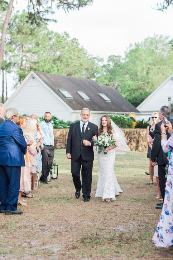 Gilded Florida Farm Wedding with an Adorable Golden Pup | Lauren Galloway Photography 25
