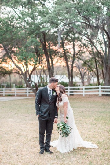 Gilded Florida Farm Wedding with an Adorable Golden Pup | Lauren Galloway Photography 48