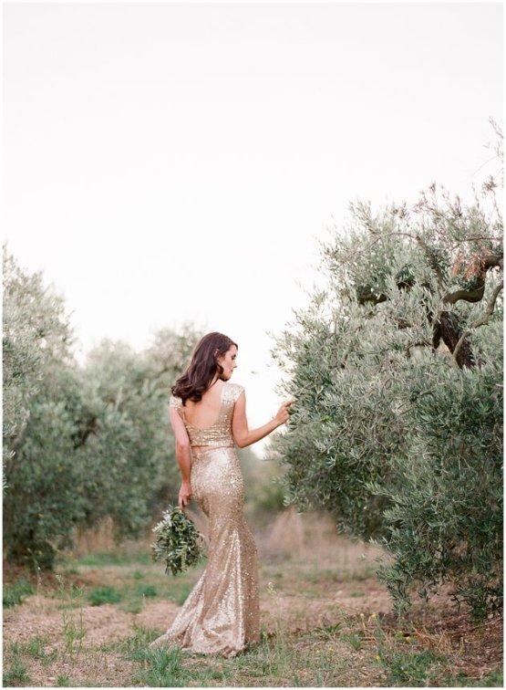 Gold-Wedding-Dress-by-Zhavit-Tshuba-Gert-Huygaerts-Photography-5