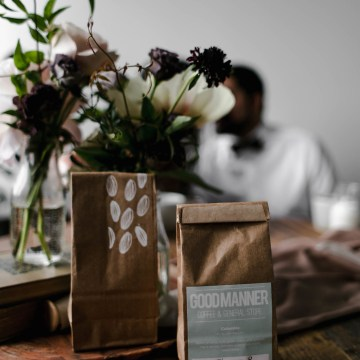 Cozy & Intimate Coffee Shop Elopement Inspiration   Grace Niu Avila 23