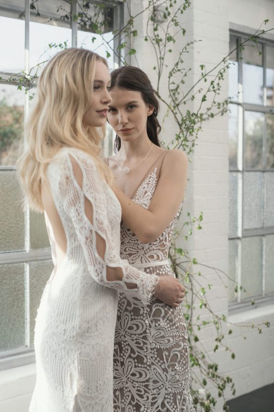 Modern Minimalist Styled Shoot Featuring Gowns For The Natural Bride | Cinzia Bruschini 37