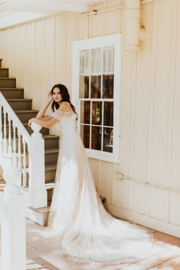 The Luxurious & Bohemian Ember Dusk Spring 2018 Collection from Tara Lauren | Anni Graham 13