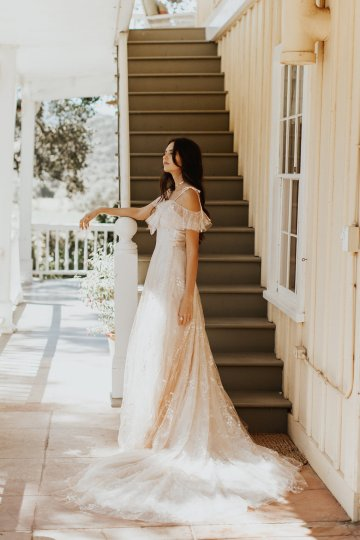 The Luxurious & Bohemian Ember Dusk Spring 2018 Collection from Tara Lauren | Anni Graham 14