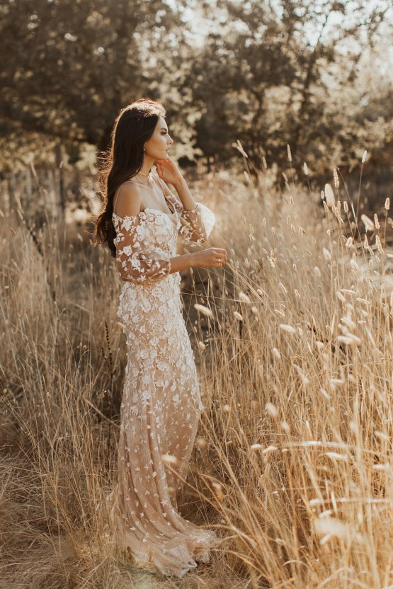The Luxurious & Bohemian Ember Dusk Spring 2018 Collection from Tara Lauren | Anni Graham 31