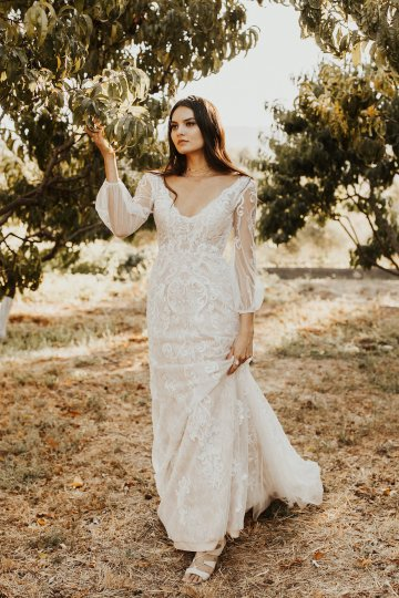 The Luxurious & Bohemian Ember Dusk Spring 2018 Collection from Tara Lauren | Anni Graham 34