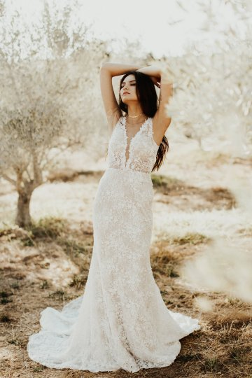 The Luxurious & Bohemian Ember Dusk Spring 2018 Collection from Tara Lauren | Anni Graham 37