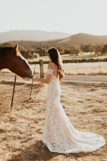 The Luxurious & Bohemian Ember Dusk Spring 2018 Collection from Tara Lauren | Anni Graham 40