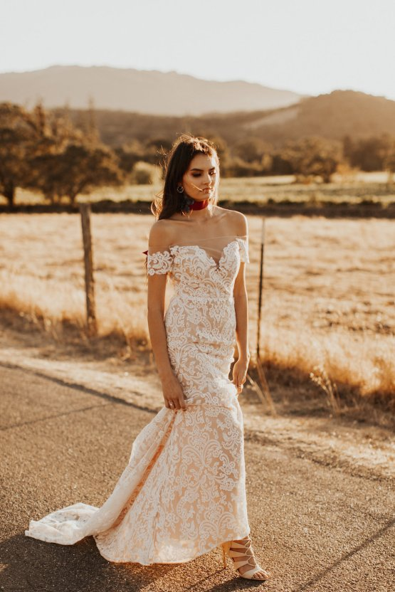 The Luxurious & Bohemian Ember Dusk Spring 2018 Collection from Tara Lauren | Anni Graham 41
