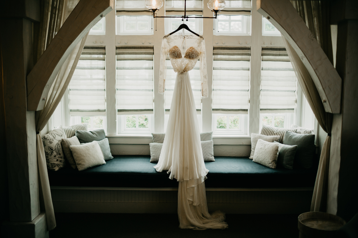 Boho Ozarks Wedding in an Magnificent Hilltop Chapel | Unveiled Radiance Photography 12