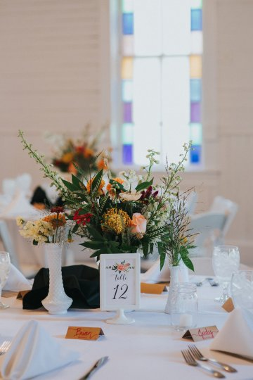 Colorful & Eclectic Americana Wedding in Texas | Amber Vickery Photography 34