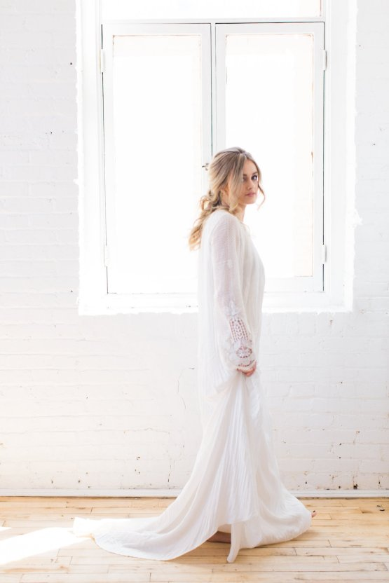 Light & Modern Wedding Inspiration With Cool Modest Gowns | Sons and Daughters Photography 39