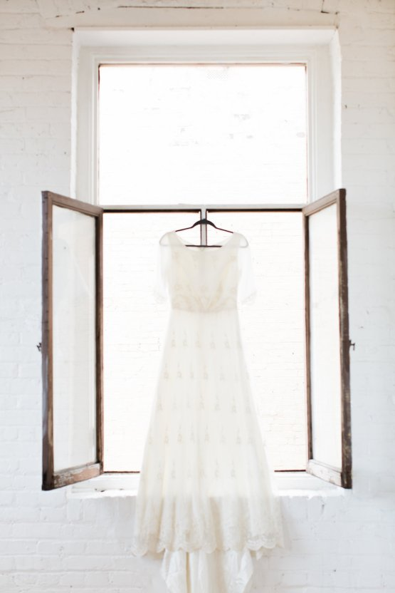 Light & Modern Wedding Inspiration With Cool Modest Gowns | Sons and Daughters Photography 49