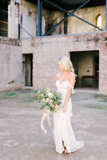 Luxurious Green & Gold Wedding Inspiration | Saje Photography 14