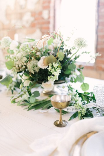 Luxurious Green & Gold Wedding Inspiration | Saje Photography 32