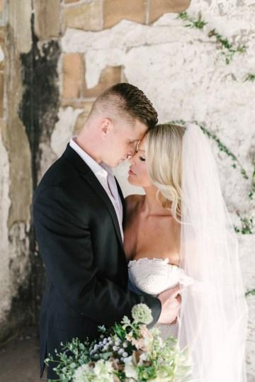 Luxurious Green & Gold Wedding Inspiration | Saje Photography 39