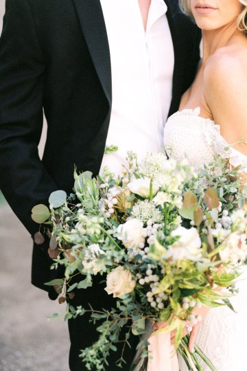 Luxurious Green & Gold Wedding Inspiration | Saje Photography 4