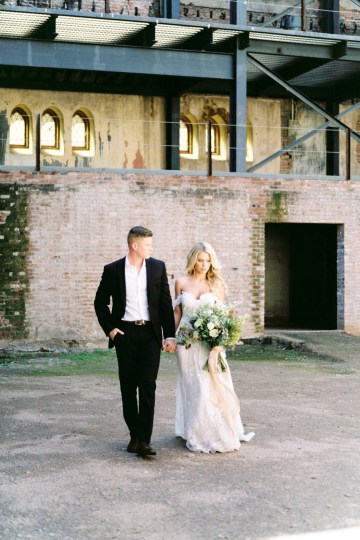 Luxurious Green & Gold Wedding Inspiration | Saje Photography 5