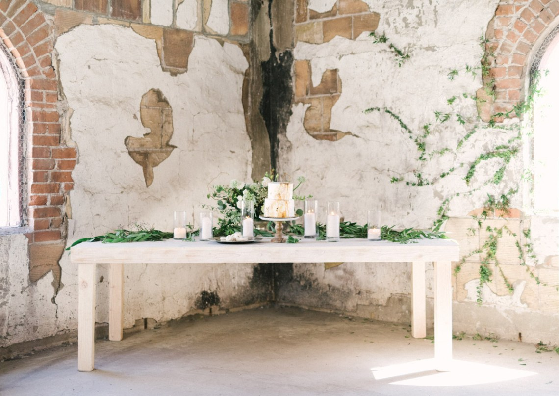 Luxurious Green & Gold Wedding Inspiration | Saje Photography 50