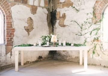 Luxurious Green & Gold Wedding Inspiration | Saje Photography 50