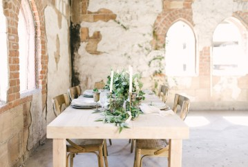 Luxurious Green & Gold Wedding Inspiration | Saje Photography 54