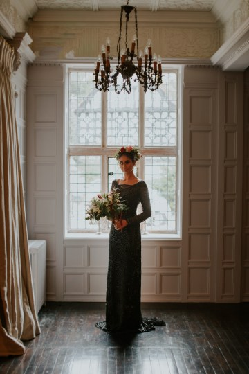 Luxurious Red & Green Wedding Inspiration Featuring A Glam Black Gown | Jamie Sia Photography 18