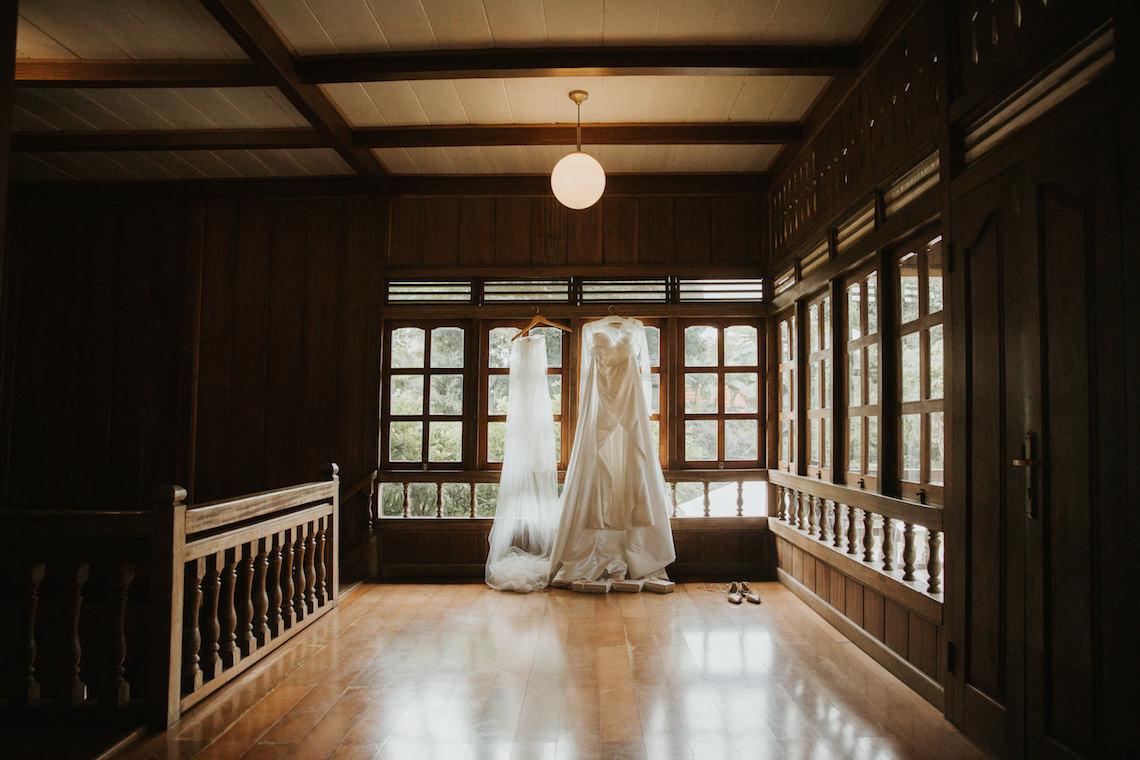 Modern & Hip Bali Wedding Featuring Sparklers & Flower Crowns | Iluminen Photography 3
