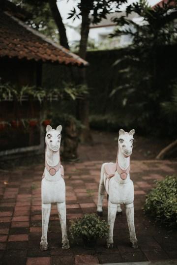 Modern & Hip Bali Wedding Featuring Sparklers & Flower Crowns | Iluminen Photography 31