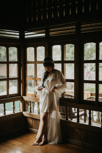 Modern & Hip Bali Wedding Featuring Sparklers & Flower Crowns | Iluminen Photography 34