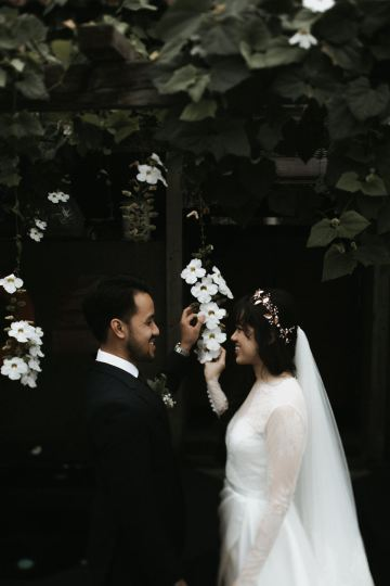 Modern & Hip Bali Wedding Featuring Sparklers & Flower Crowns | Iluminen Photography 38