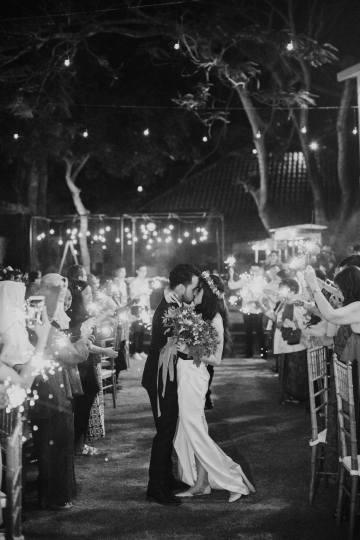 Modern & Hip Bali Wedding Featuring Sparklers & Flower Crowns | Iluminen Photography 47