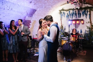 Underground Gallery Wedding In London With Cool, Flashy Signage | Studio 1208 Photography 12