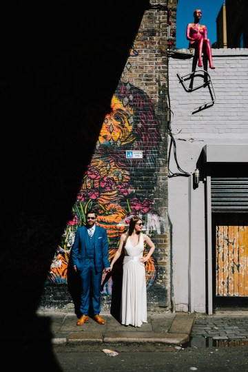 Underground Gallery Wedding In London With Cool, Flashy Signage   Studio 1208 Photography 55