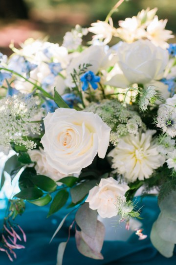 Vibrant Ocean Blue Watercolor Wedding Inspiration | Lola Event Productions | Artistrie Co. 22