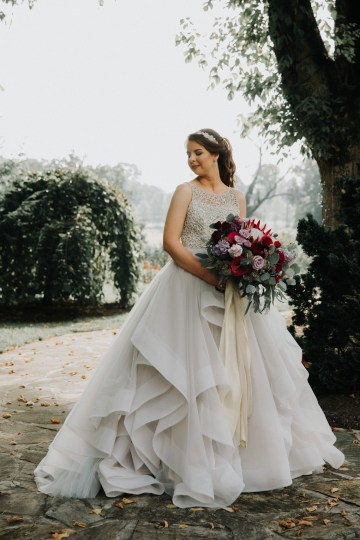Classic Romance; A Heartfelt Wedding Filled With Red Roses | T & K Photography 43