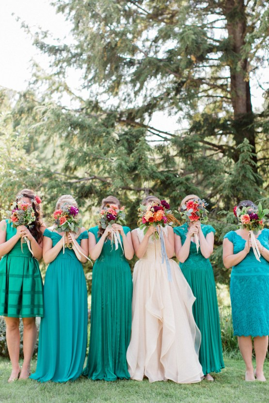 Colorful Vermont Lodge Wedding (With Sparkler Magic!) | Molly Lichten Photography 10