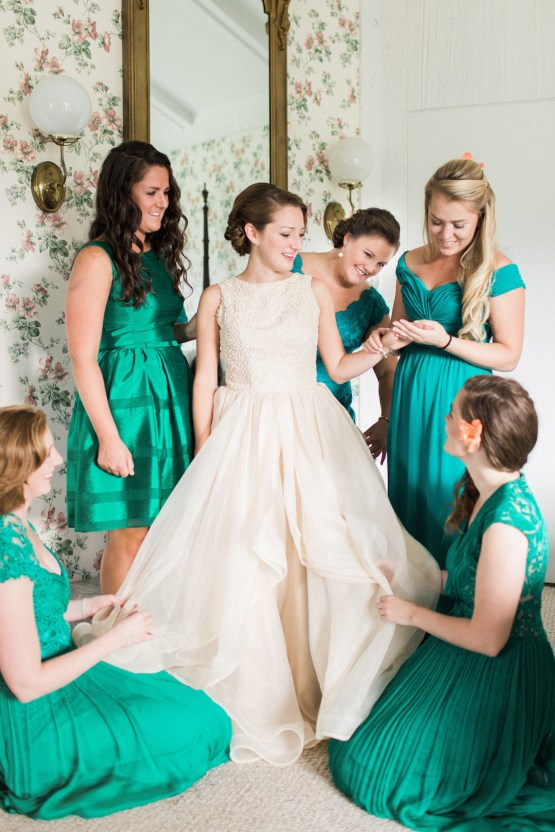 Colorful Vermont Lodge Wedding (With Sparkler Magic!) | Molly Lichten Photography 6