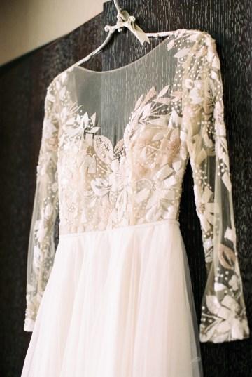 Gorgeous Chicago Ivy Room Wedding | Kristin La Voie Photography 22