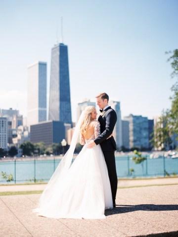 Gorgeous Chicago Ivy Room Wedding | Kristin La Voie Photography 33