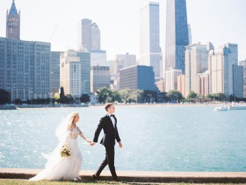 Gorgeous Chicago Ivy Room Wedding | Kristin La Voie Photography 8