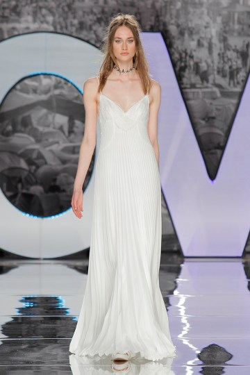 The Sexy & Embellished New Yolan Cris Wedding Dress Collections   CAYAMBE (1)