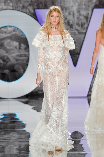 The Sexy & Embellished New Yolan Cris Wedding Dress Collections   IRAZU (2)