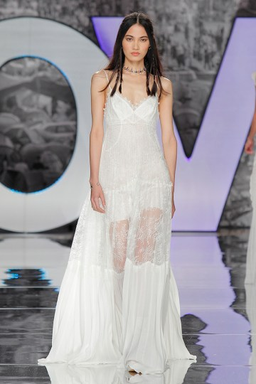 The Sexy & Embellished New Yolan Cris Wedding Dress Collections   PONDIELLOS (2)