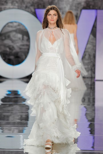 The Sexy & Embellished New Yolan Cris Wedding Dress Collections | POTOSI (3)