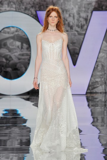 The Sexy & Embellished New Yolan Cris Wedding Dress Collections | ZORGE (1)