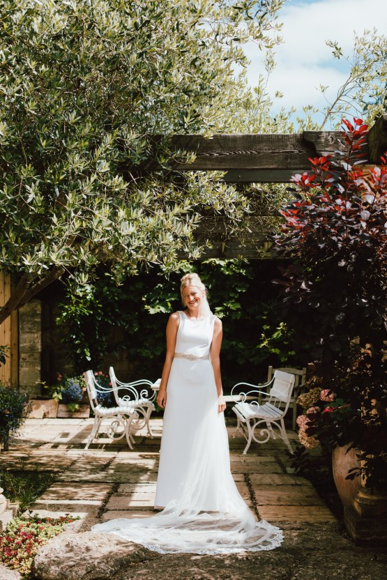 Totally Chic English Wedding With A Sweet Boat Ride | Oak & Blossom 4