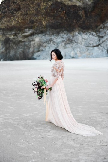 Ethereal Pacific Northwest Beachy Wedding Inspiration   Jessica Lynn Photography 18